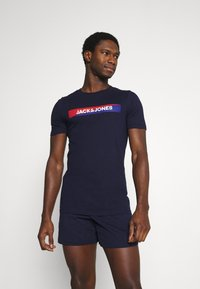 Jack & Jones - JACSHAWN SHORT PANTS SET - Pyžamová sada - maritime blue/navy blazer - 0