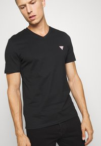 Guess - TEE - T-shirt basic - jet black - 3