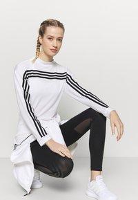 adidas Performance - Topper langermet - white/black - 3