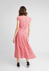 Louche - CATHLEEN BLOOM - Shirt dress - red - 2