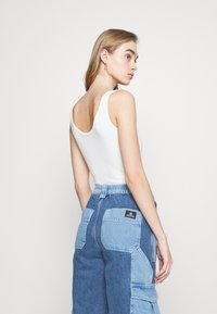 BDG Urban Outfitters - PATCH SKATE - Jeans relaxed fit - bleach - 4