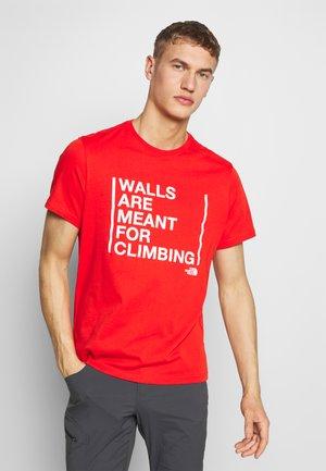 WALLS CLIMB TEE - Print T-shirt - fiery red