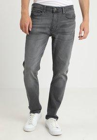 Burton Menswear London - SLIM WASH GREY - Straight leg jeans - grey - 2