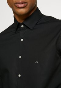 Calvin Klein Tailored - STRETCH SLIM - Formal shirt - black - 3
