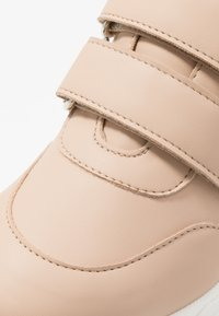 NAE Vegan Shoes - COLINE - Matalavartiset tennarit - nude - 2