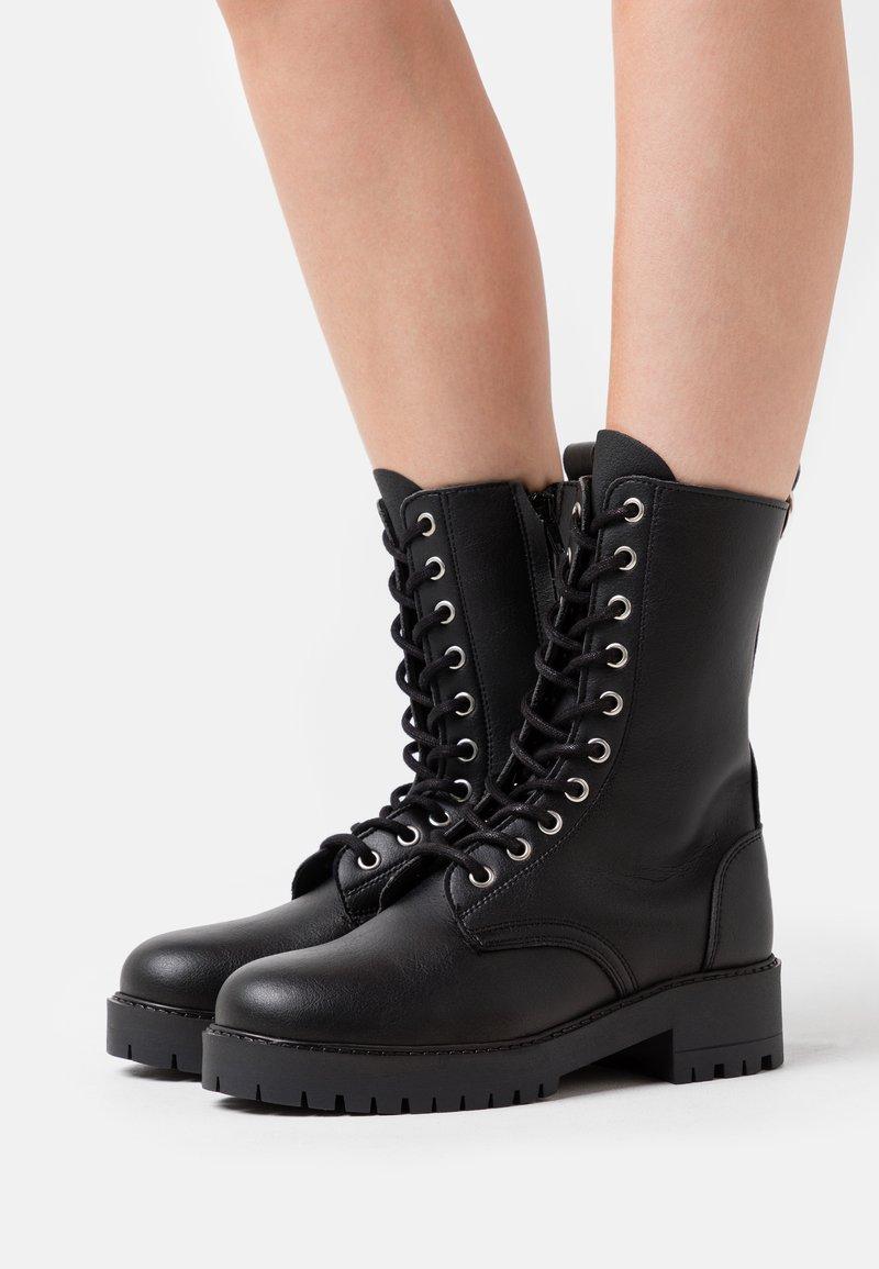 NAE Vegan Shoes - MANDY VEGAN - Platform-saappaat - black