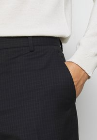 Calvin Klein Tailored - TONAL GRID CHECK EXTRAFINE PANT - Kalhoty - navy - 4