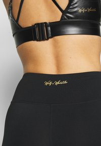 Wolf & Whistle - CYCLING SHORTS WITH PANEL CORE - Tights - black - 3