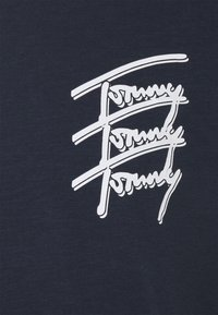 Tommy Jeans - REPEAT SCRIPT TEE UNISEX - T-shirt print - twilight navy - 2