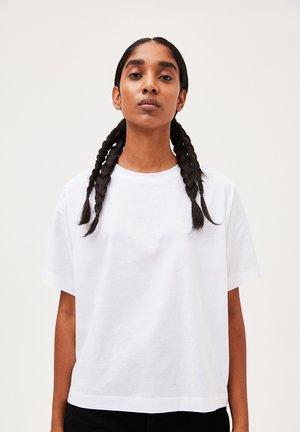 KAJAA - Basic T-shirt - white