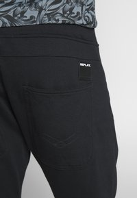 Replay - Tracksuit bottoms - black - 3
