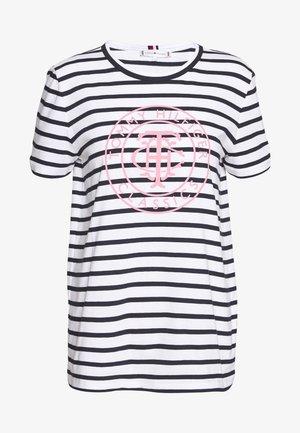 COOL RELAXED GRAPHIC TEE - T-shirts med print - breton/desert sky/white