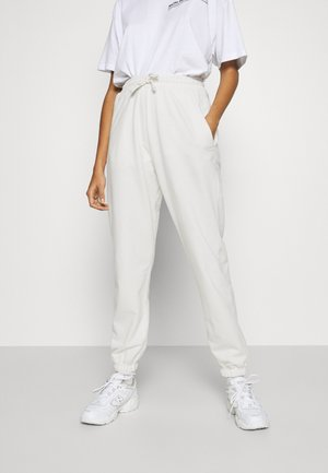 OVERSIZED JOGGER - Pantalon de survêtement - cream