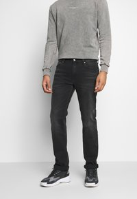 Calvin Klein Jeans - 035 STRAIGHT - Straight leg -farkut - black - 0