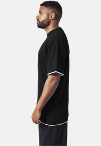 Urban Classics - T-shirt - bas - black,white - 2