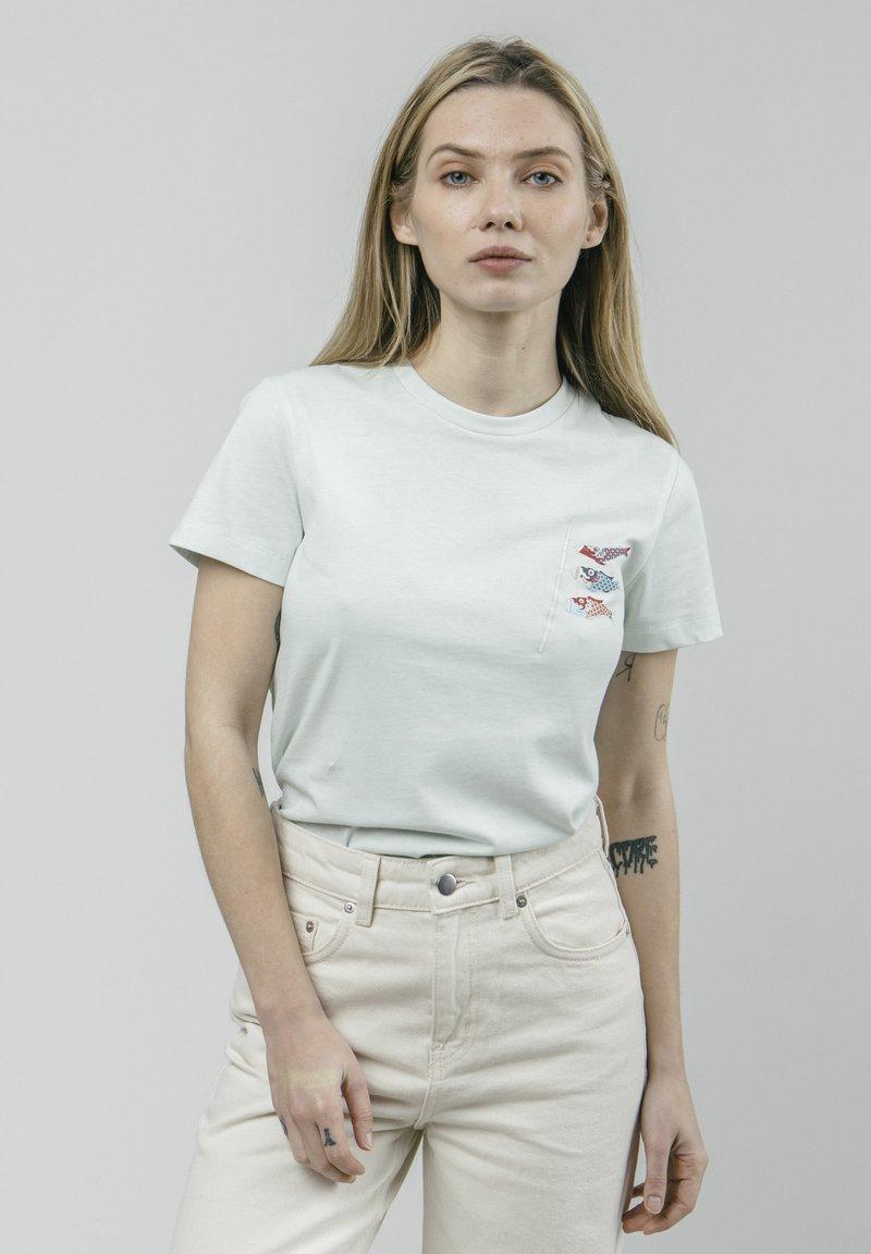 Brava Fabrics - KOINOBORI KITE - Print T-shirt - green