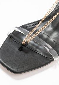 Topshop Wide Fit - WIDE FIT RUSH CHAIN MINI - T-bar sandals - black - 2