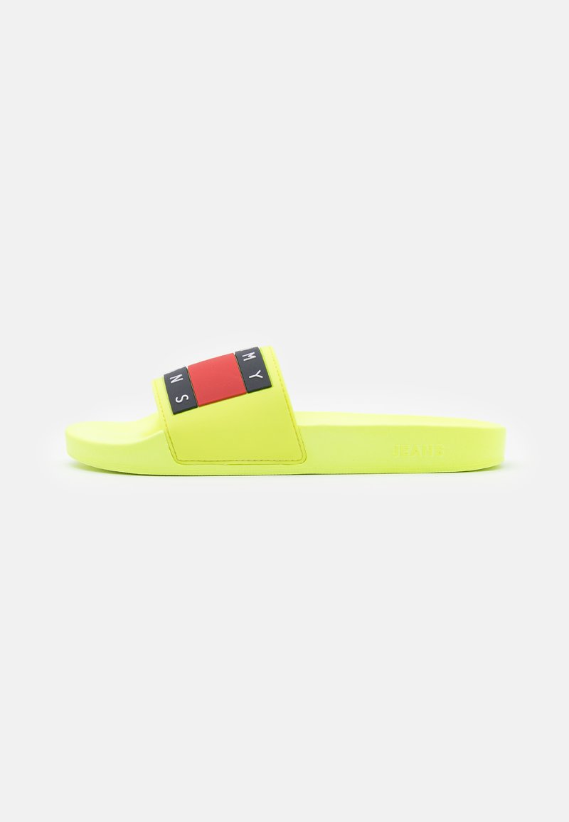 Tommy Jeans - FLAG POOL SLIDE - Mules - hyper yellow