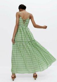 Uterqüe - Maxi dress - green - 2