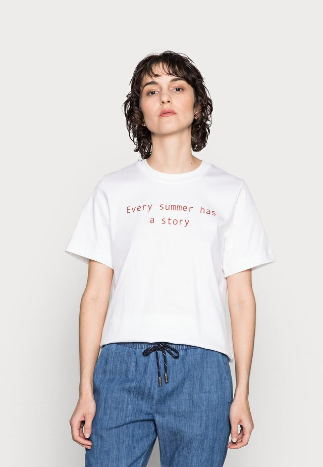 T-shirt print - white/red