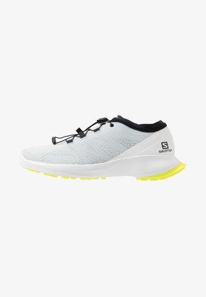 SENSE FLOW - Trail running shoes - illusion blue/white/safety yellow