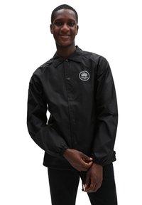 Vans - MN TORREY JACKET - Summer jacket - black - 0