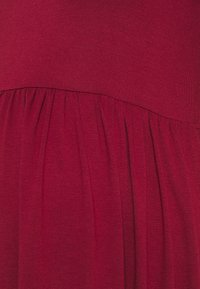 New Look Maternity - PLAIN PEPLUM DRESS - Žerzejové šaty - dark burgundy - 2