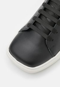Joshua Sanders - EXCLUSIVE SQUARED SHOES - Trainers - black - 6