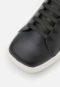 Joshua Sanders - EXCLUSIVE SQUARED SHOES - Sneaker low - black - 6