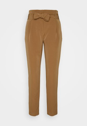 ONLCAROLINA MAIA BELT PANT - Pantalon classique - toasted coconut