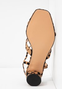 Topshop Wide Fit - WIDE FIT DITA STRAP - Sandals - brown - 6