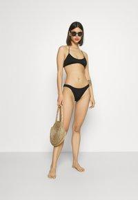 Weekday - CLOUD HIGHCUT SWIM BOTTOM - Bikini bottoms - black - 1