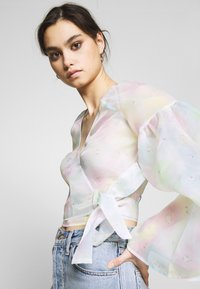 Who What Wear - THE WIDE SLEEVE WRAP - Blouse - off white - 4