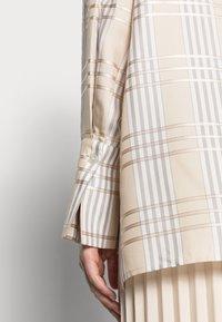 IVY & OAK - DARLA - Button-down blouse - beige - 4