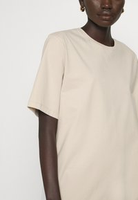 Filippa K - DAGNY - T-shirt - bas - ivory - 4
