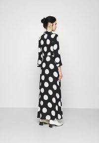 YAS - YASSAVANNA DOT LONG SHIRT DRESS - Maxi dress - black/white - 2