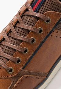 Bullboxer - Sneakers laag - cognac - 5