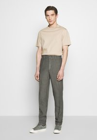 120% Lino - TAILORED TROUSERS - Trousers - anthracite - 1