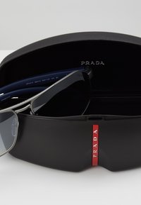 Prada Linea Rossa - Sunglasses - gunmetal - 4