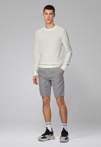 BOSS - SYMOON-SHORTS1 - Shorts - grey - 1