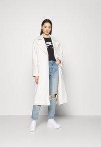 Nike Sportswear - AIR  - T-shirt con stampa - black/white - 1