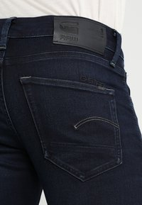 G-Star - 3301 SLIM - Slim fit jeans - dark aged - 5
