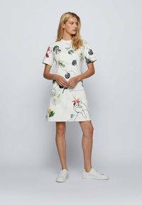 BOSS - Robe d'été - patterned - 1