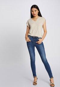 Morgan - Print T-shirt - beige - 1