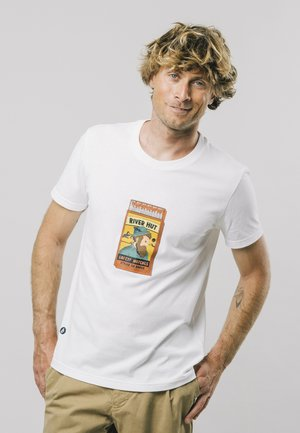 SAFETY MATCHES - Print T-shirt - white