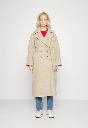 PREIKE COAT  - Classic coat - sand