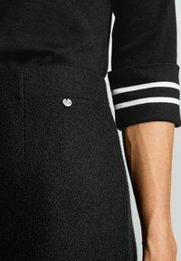 Gerry Weber - KURZ AUS WOLLE - Pleated skirt - schwarz - 2