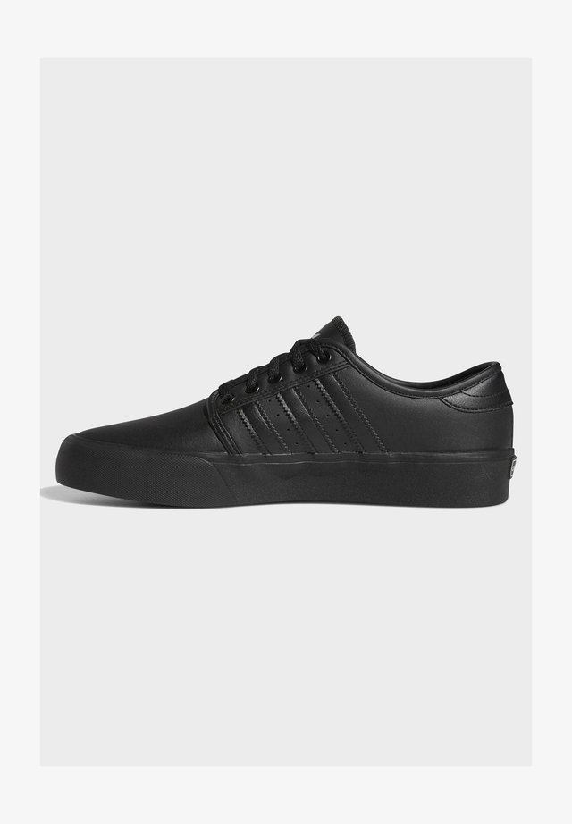 SEELEY XT - Sneakersy niskie - black