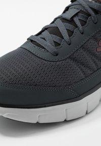 Skechers Sport - SYNERGY - Sneaker low - charcoal/black - 5