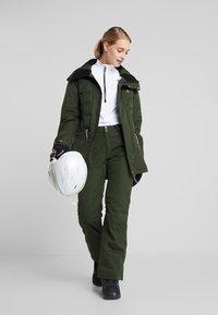 Rojo - PANT - Pantaloni da neve - kombu green - 1